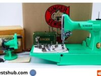 Singer Featherweight Sewing Holiday Giveaway